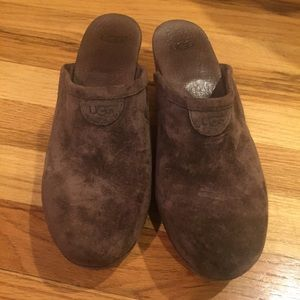 Ugg brown suede clog shoes size 7